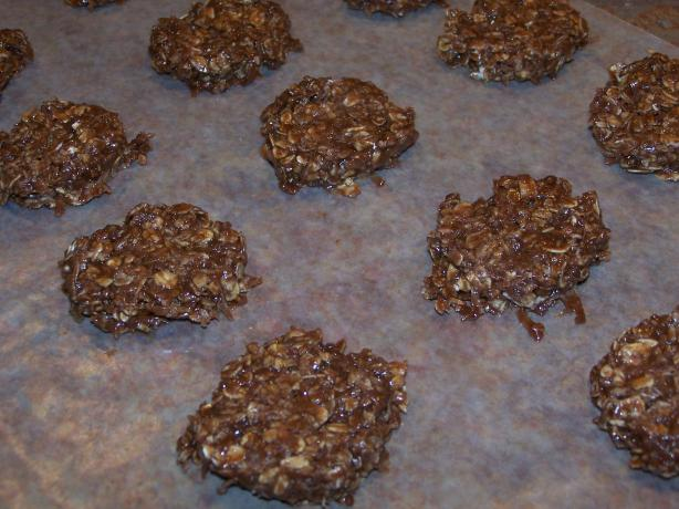 The Best No Bake Chocolate Oatmeal Cookies. Photo by QueenJellyBean