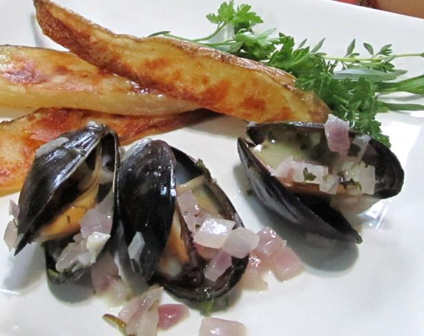 Moules Frites - French/Belgian Bistro Style Mussels and Chips. Photo by Rita~