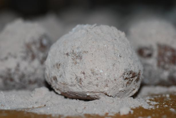 Mexican Hot Chocolate Balls. Photo by Katzen