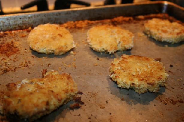 Oven Baked Crab Cakes. Photo by me and my 3