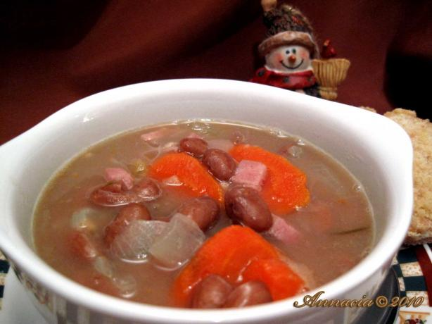 Hearty Tuscan Bean Soup. Photo by Annacia