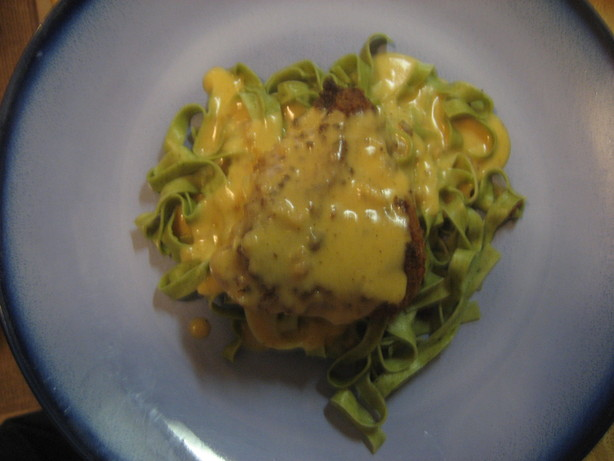 Chicken With Cheese Sauce. Photo by Bling Lady