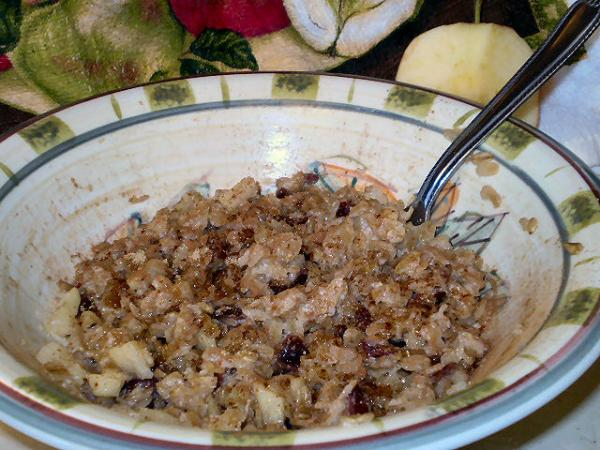 Healthy Apple Cinnamon Oatmeal. Photo by Karen=^..^=