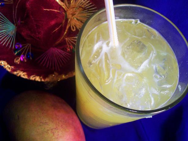 Non-Alcoholic Mango Margaritas. Photo by Sharon123