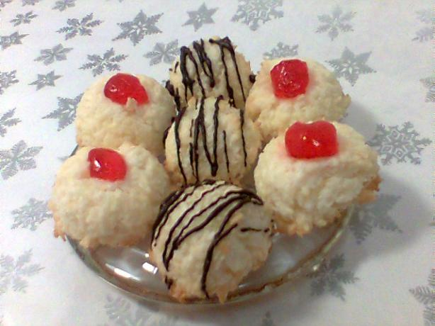 Gluten-Free Coconut Macaroon. Photo by Diana #2