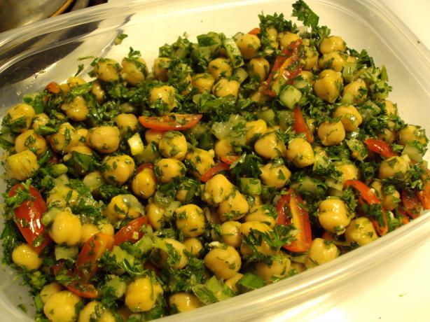 Garbanzo and Parsley Salad. Photo by dicentra