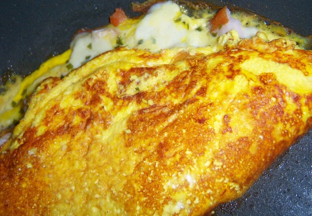 Smoked Chicken Omelette. Photo by **Mandy**