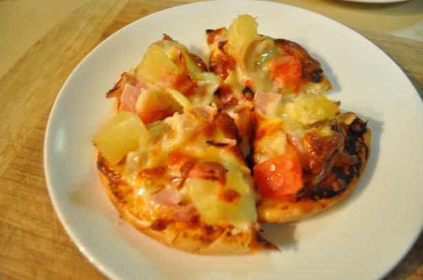 Ham and Pineapple Pizza. Photo by I'mPat