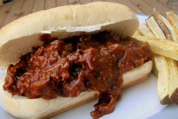 Barbecue Pork on Buns. Photo by lazyme