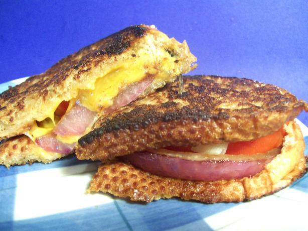 Grilled Cheese and Tomato Sandwich. Photo by Sharon123