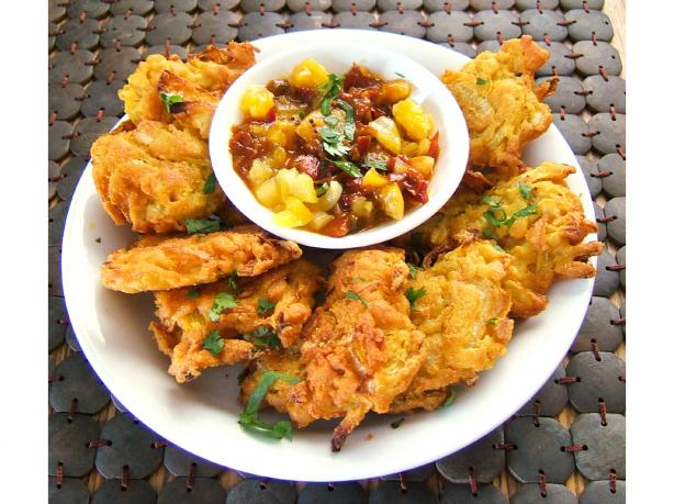 Indian Restaurant Style Onion Bhaji - Deep Fried Onion Fritters. Photo by Kathy228