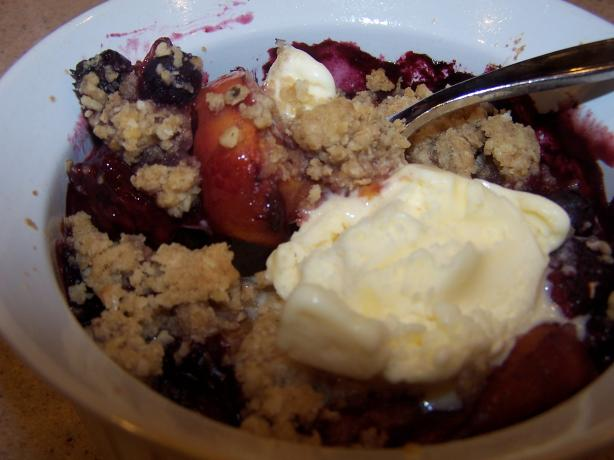 Common Grill Peach, Blueberry and Blackberry Cobbler. Photo by Cooks4_6