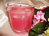 Rose Petal Iced Tea. Photo by Um Safia