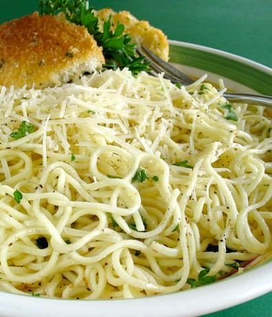 Angel Hair Pasta In Garlic Sauce. Photo by Calee