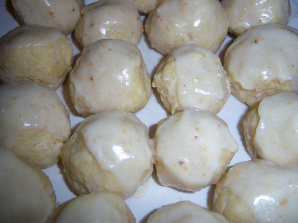 Lemon Coconut Balls. Photo by NELady