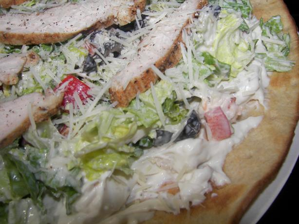 Chicken Caesar Salad Pizza, Pampered Chef. Photo by gertc96