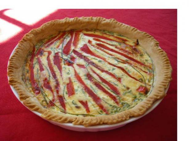 Roasted Red Pepper Quiche. Photo by PanNan