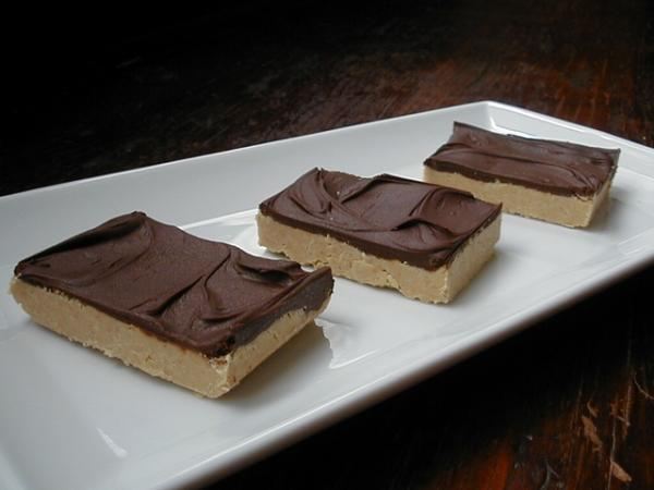 Reeses Squares - 5 Ingredients & No Bake (Reese's). Photo by ms_bold