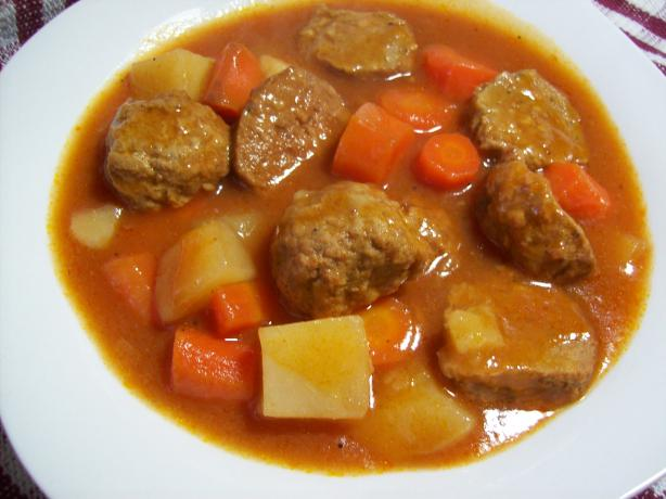 Crock Pot Meatball Stew. Photo by Chef shapeweaver ©