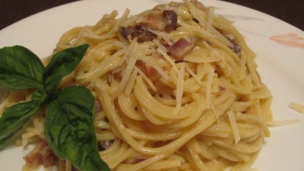 Pasta Carbonara. Photo by Rita~