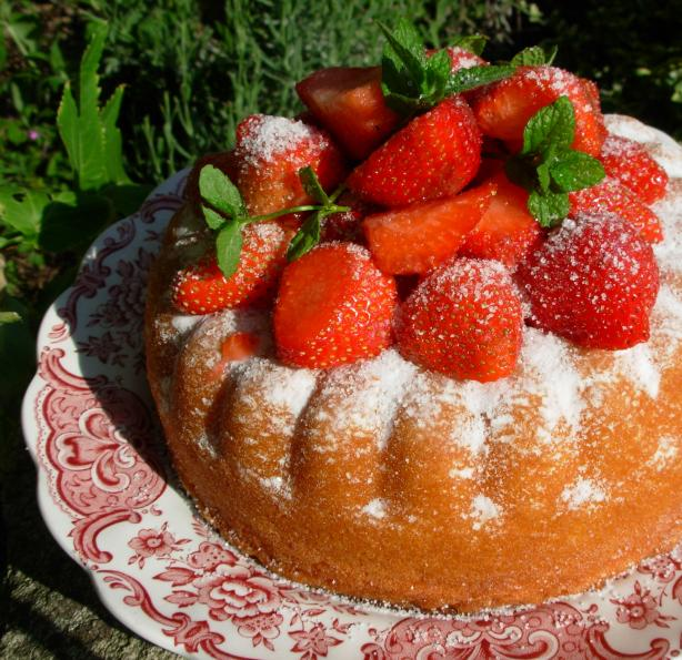 Austrian Strawberry Torte. Photo by French Tart