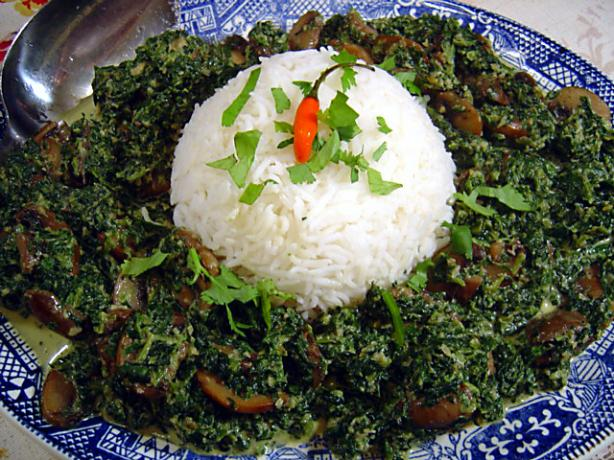 Saag Khumb (Spinach and Mushrooms). Photo by :(