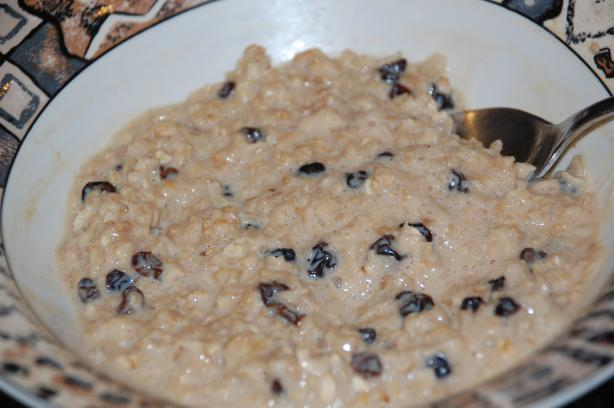 Chai & Raisin Oatmeal (Porridge). Photo by Mommy Diva