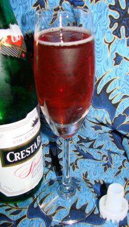 Cranberry Kir Champagne Cocktail. Photo by Boomette
