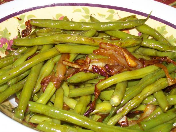 Green Beans With Caramelized Onions. Photo by AZPARZYCH