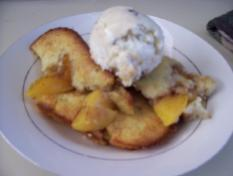 Perfectly Peach Cobbler. Photo by catercow