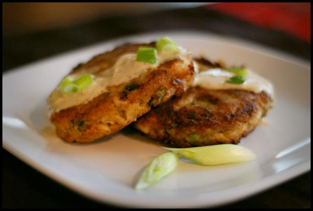 Crab Cakes With Lemon Garlic Aioli Sauce. Photo by Dine & Dish