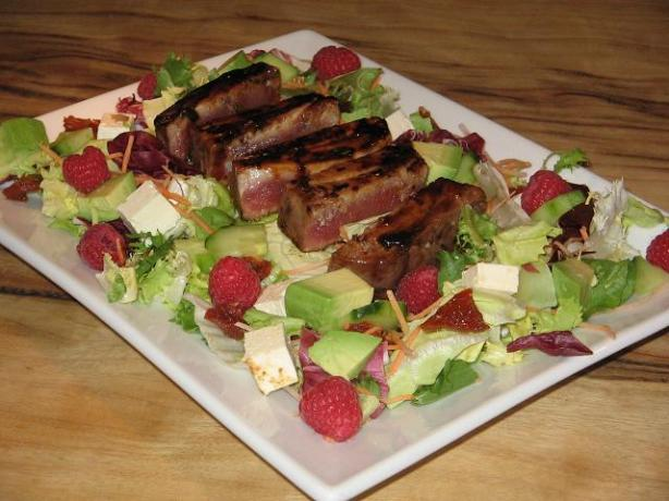 Raspberry-Chili Tuna on Greens. Photo by The Flying Chef
