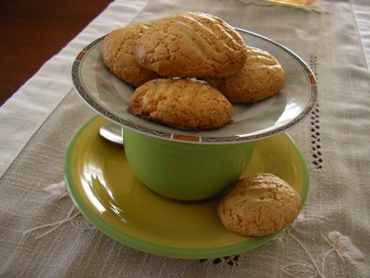 Low - Fat Crispy Cookies. Photo by zori