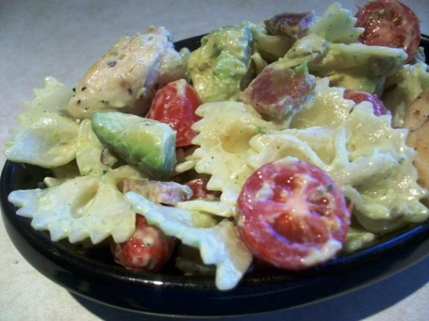 Ranch and Avocado Pasta Salad. Photo by 2Bleu