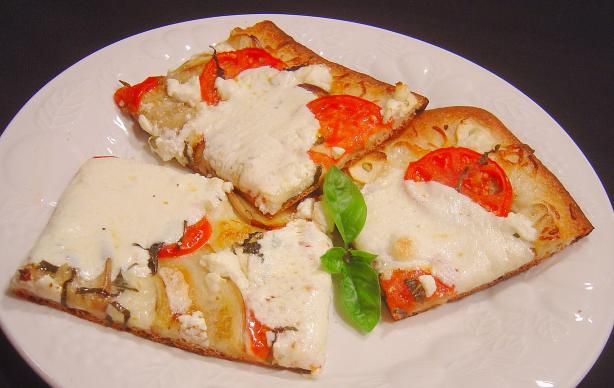 Garlicky Eggplant, Tomato and Basil Bobolis. Photo by :(