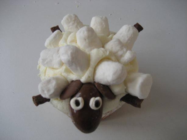 Sheep Cupcakes. Photo by froglet