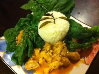 Chicken Rama in Thai Peanut Sauce. Photo by kazalex