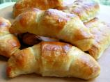 Traditional Buttery French Croissants for Lazy Bistro Breakfasts