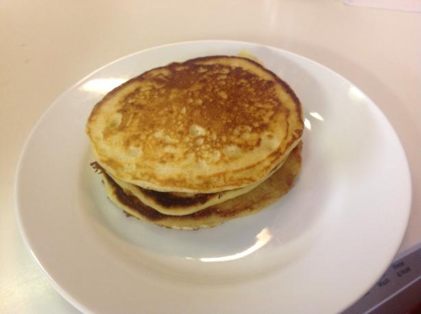 Cracker Barrel Buttermilk Pancakes. Photo by cynhermosillo