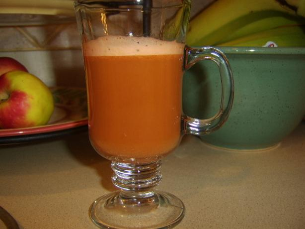 Carrot Cucumber Juice. Photo by LifeIsGood