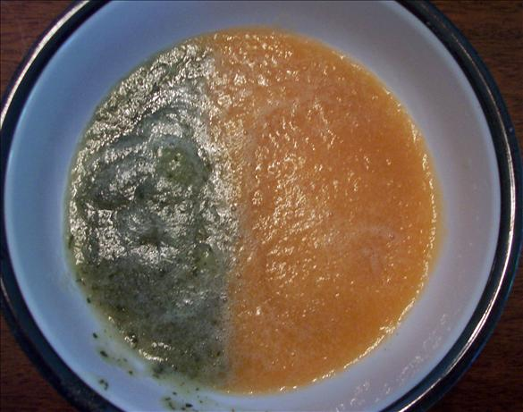 Yin-Yang Melon Soup. Photo by ladypit