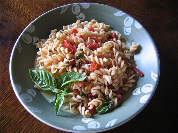 Tomato-Basil Pasta Salad. Photo by Velouria