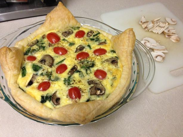 Spinach, Tomato and Feta Quiche. Photo by lovelysoulthief