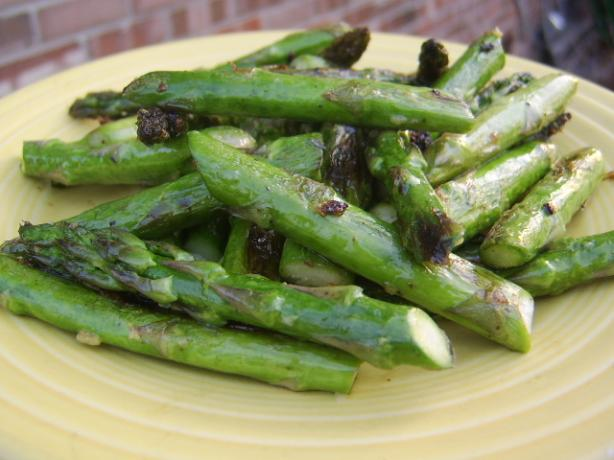 Garlic Asparagus. Photo by LifeIsGood