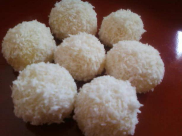 Coconut Snowballs. Photo by littlemafia
