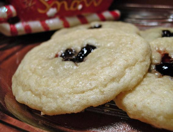 Yule Love These Sugar Plum Cookies. Photo by justcallmetoni
