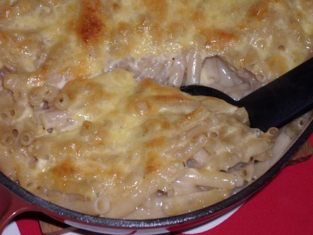 Yummy Baked Mac & Cheese. Photo by Lalaloula