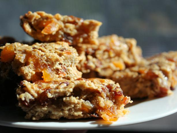 Muesli Bar Slice. Photo by **Jubes**