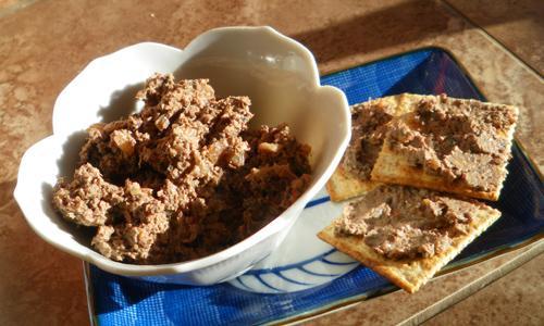 Quick and Easy Chicken Liver Pate. Photo by Bergy
