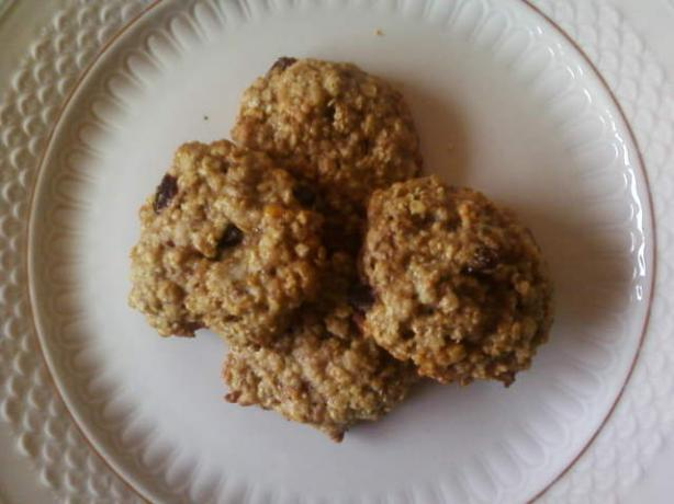 Big Fat Oatmeal Raisin Cookies. Photo by littlemafia